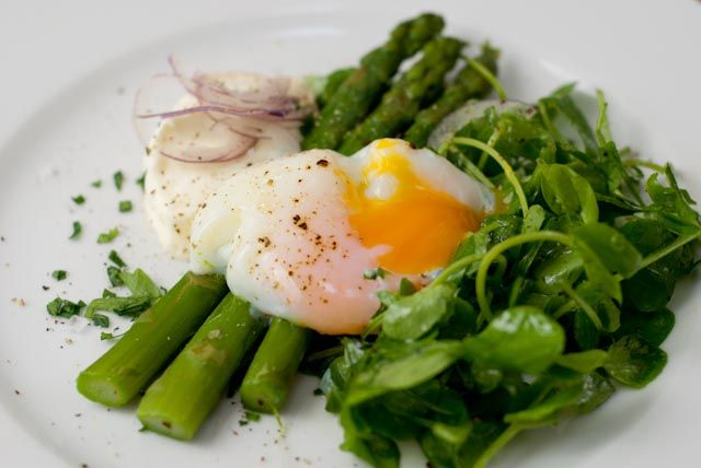Slow cooked egg, rocket & asparagus - I would love to try this with a ...