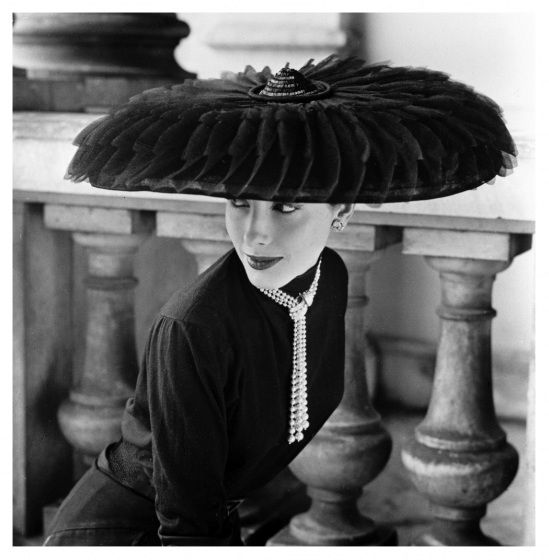 Cartwheel hat by Legroux Sisters, photo by Norman Parkinson, 1952.