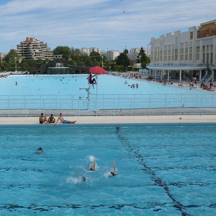Piscine nakache piscine d 39 t le fond de l 39 air est for Piscine nakache