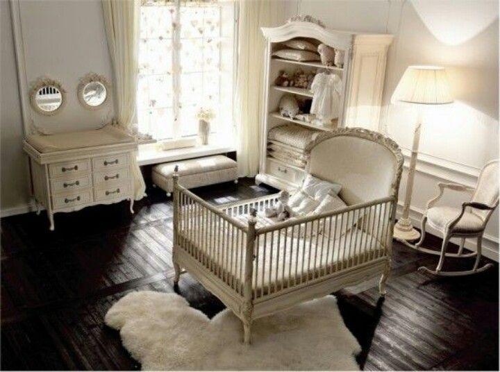 Habitación bebé antigua