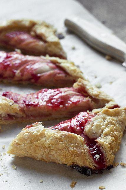 strawberry apple jam tart | Food