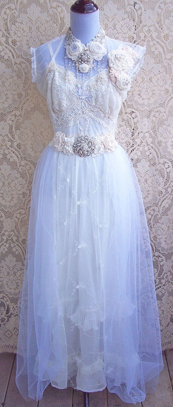 Romantic vintage wedding dresses home design for Romantic vintage lace wedding dresses