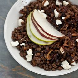 Warm lentil salad with caramelized onions, goat cheese, and pears