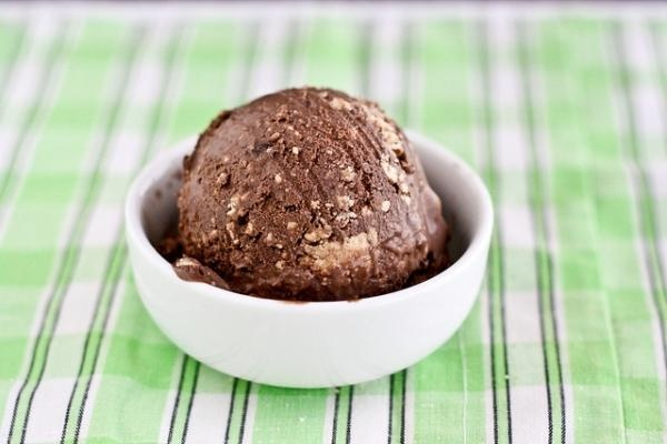 Chocolate Peanut Butter Cup Ice Cream | Delicious Food | Pinterest
