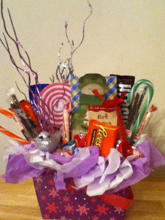 Small christmas basket diy gift baskets pinterest