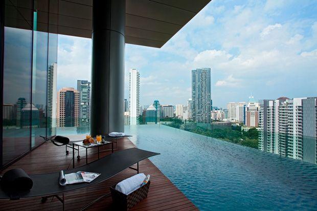 relax in singapore mi amor : )