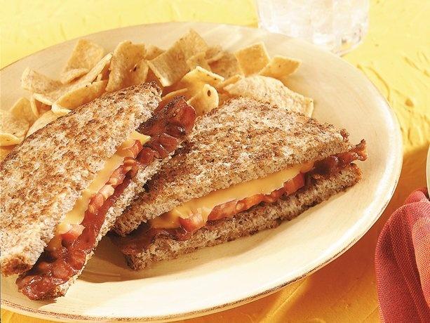 Grilled Cheddar, Tomato, And Bacon Sandwiches Recipe — Dishmaps