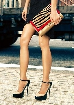 I want these Jimmy Choos!  Someday...