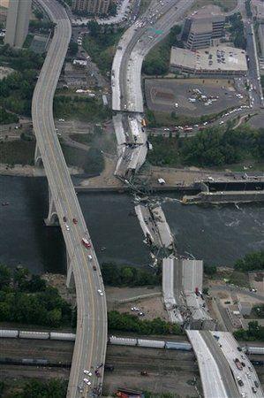 i 35w mississippi river bridge  Collapses Aug 1, 2007 -