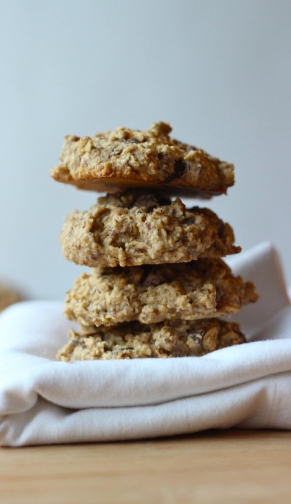Toasted Oatmeal Chocolate Chip Cookies | thefreshdirection.com