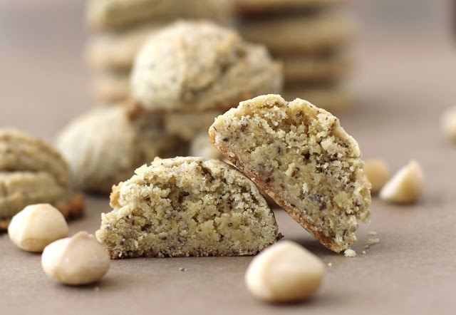 White Chocolate Macadamia Shortbread Cookies (Macadamia butter, cocoa ...
