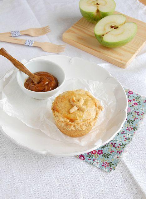 Dulce de leche apple pies / Tortinhas de maçã e doce de leite by ...