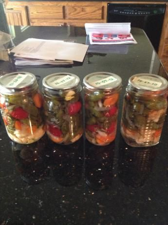 Jalapenos En Escabeche (Pickled Jalapenos) This recipe came from Too ...