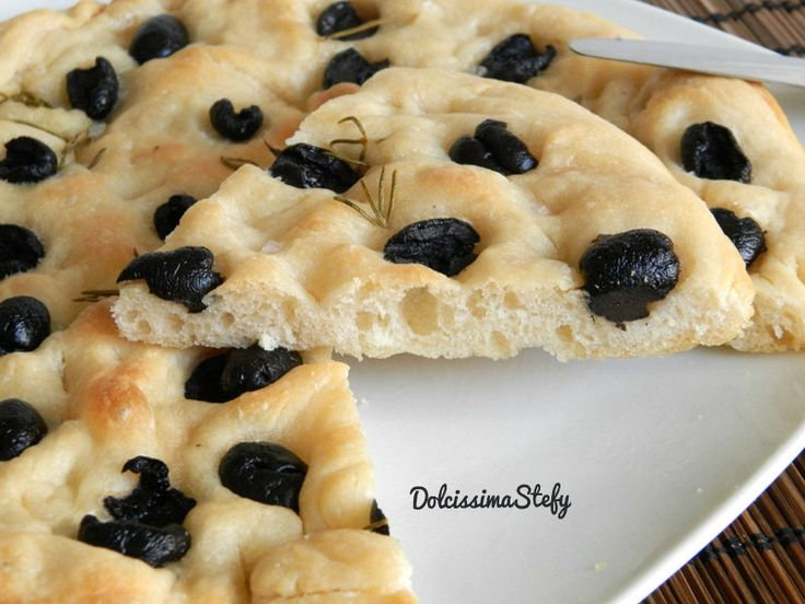 Focaccia alle Olive | Pane, pizza, focacce salate | Pinterest
