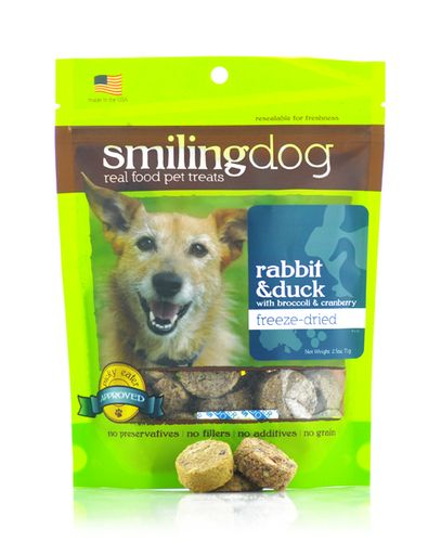 Today on the BBS Healthy Dog Blog we're discussing Smiling Dog Freeze Dried Rabbit and Duck Treats! #dog #dogtreats // BestBullySticks.com