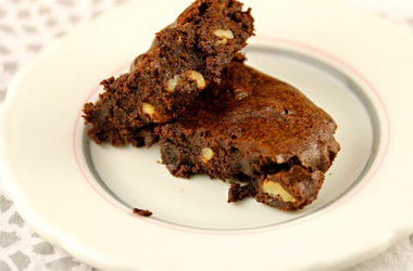 Whole Wheat Walnut Cocoa Brownies | Om Nom Nom | Pinterest