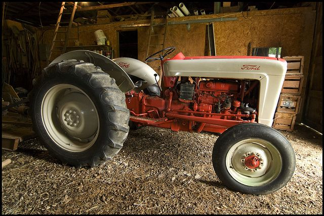 Old Ford Farm Tractors : Ford tractor old farm tractors pinterest