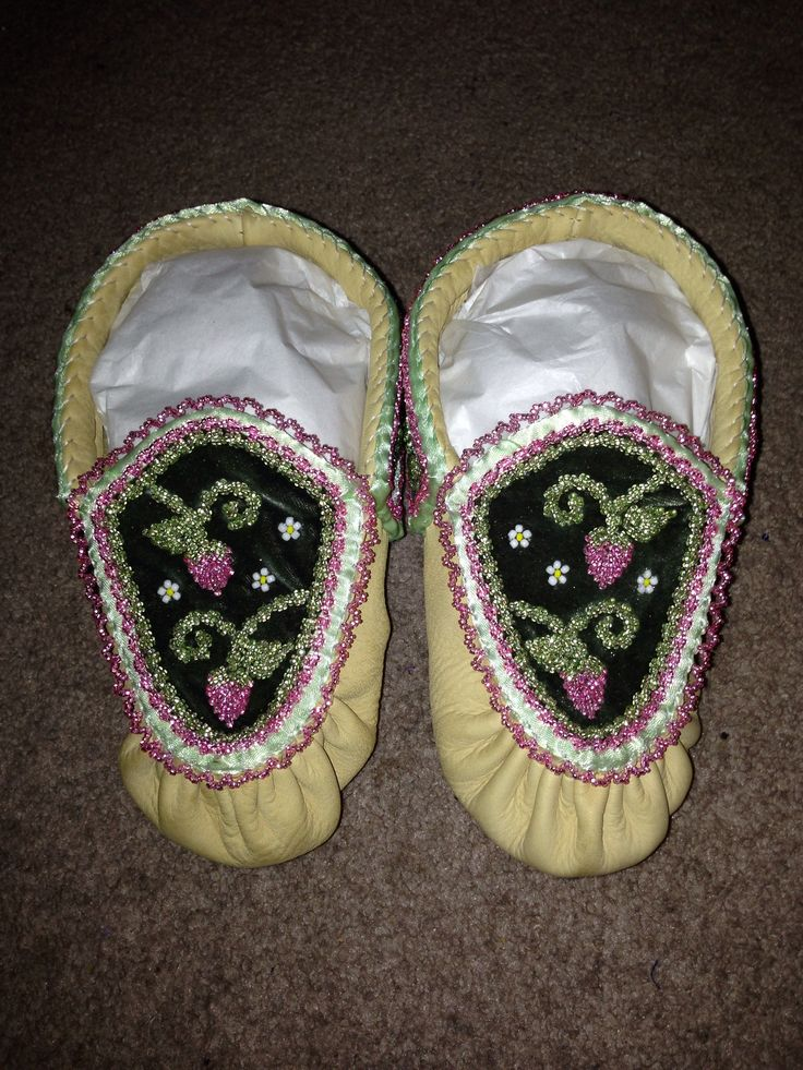 Haudenosaunee raised beadwork moccasins #myCreation