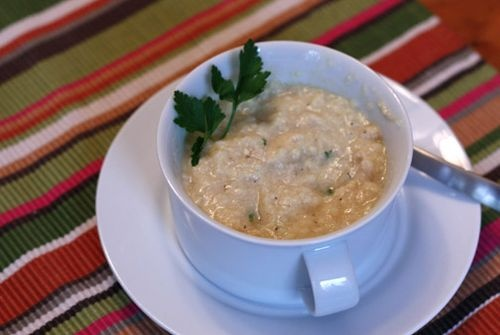 Avgolemono (Greek lemon and rice soup)...makin' this tonight!