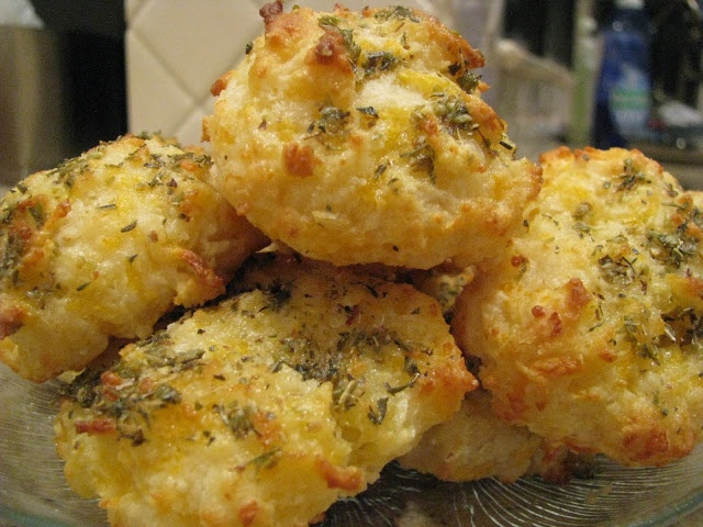 Cheesy Garlic Butter Biscuits | bread | Pinterest