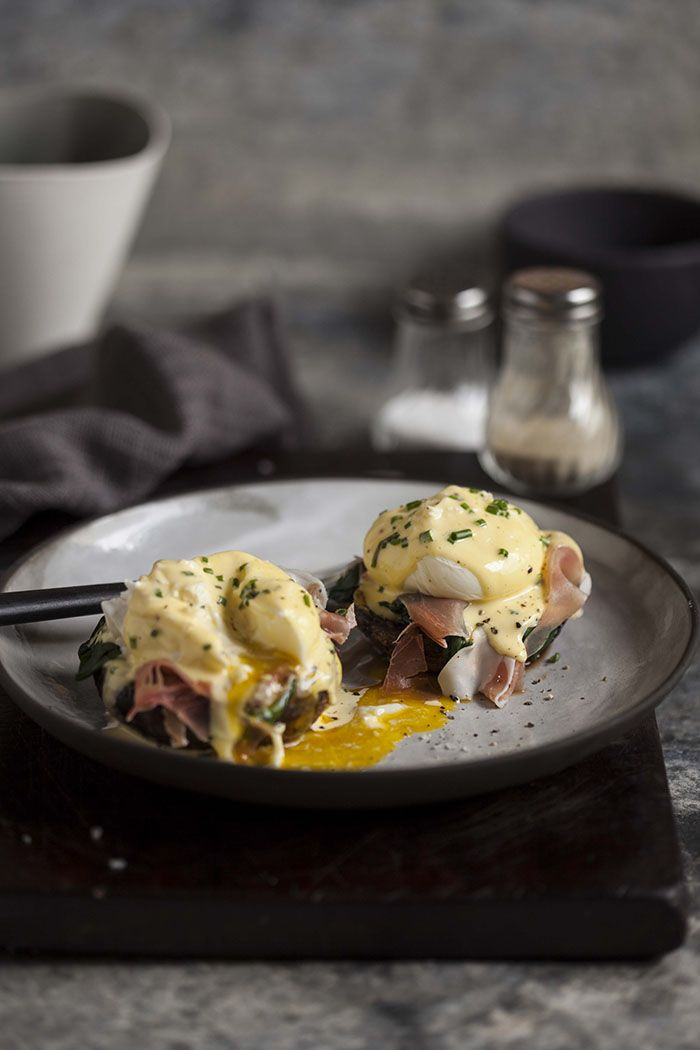 eggs benedict on roasted brown mushrooms | Recipes - Main Course ...