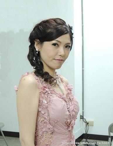 Bridal hairstyle pink wedding dress