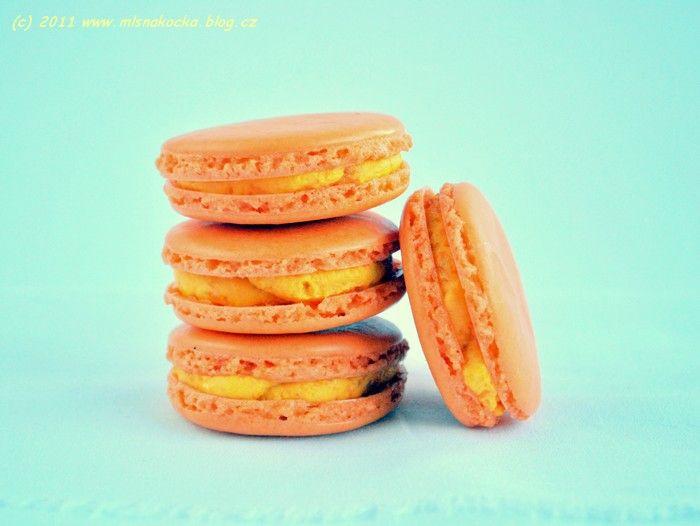 pumpkin macarons | APETIIIIIT | Pinterest