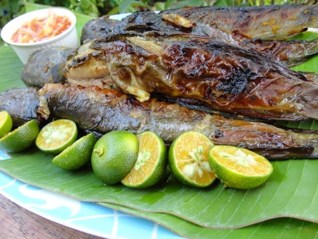 Ikan Keli Bakar dengan Air Asam Mangga-Grilled Catfish with Mango Sour ...