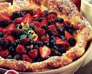 Berry Pancake Puff | Breakfast | Pinterest