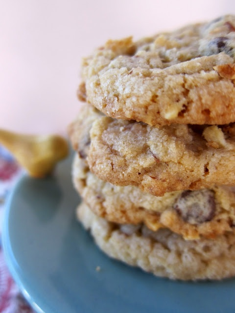 Almond Toffee Chocolate Chip Cookies | Sweets and Festive Foods | Pin ...