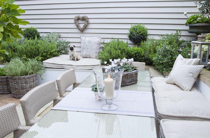 Leopoldina Haynes Garden: outdoor dining