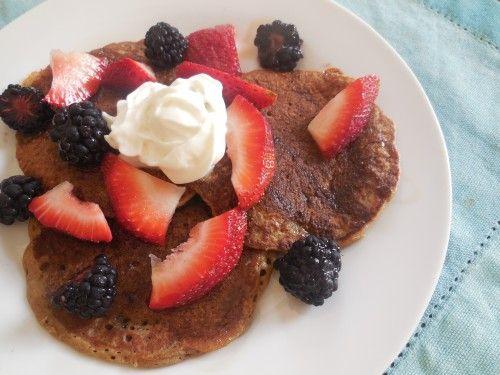 Banana Oat Pancakes (*Gluten free ) | http://www.thesisterscafe.com ...