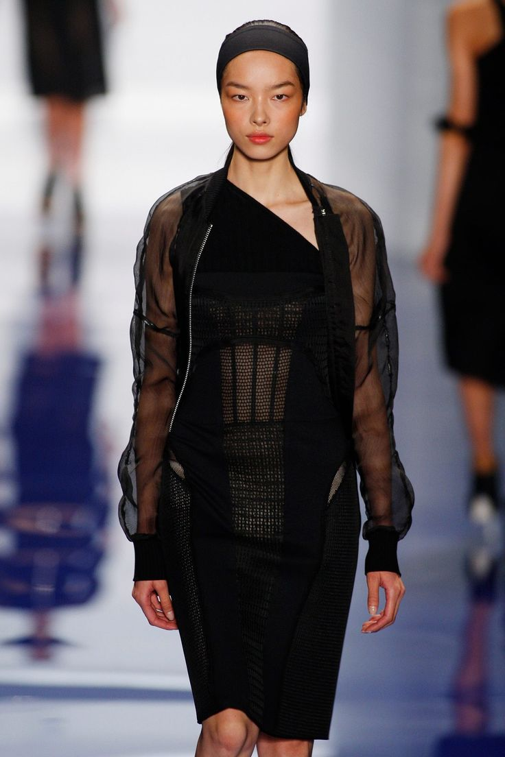 Vera Wang | Fashion, Models, Designer | Pinterest: http://www.pinterest.com/pin/433330795367163966/