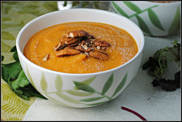 Sweet Potato, Apple, and Chipotle Soup #MeatlessMonday @Prevention RD