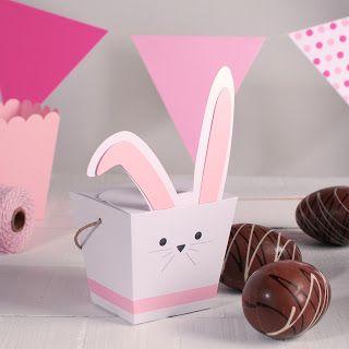 Conejo de Pascua de cartón