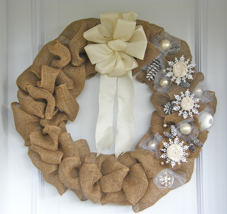 Burlap wreath decorating christmas pinterest Burlap xmas wreath