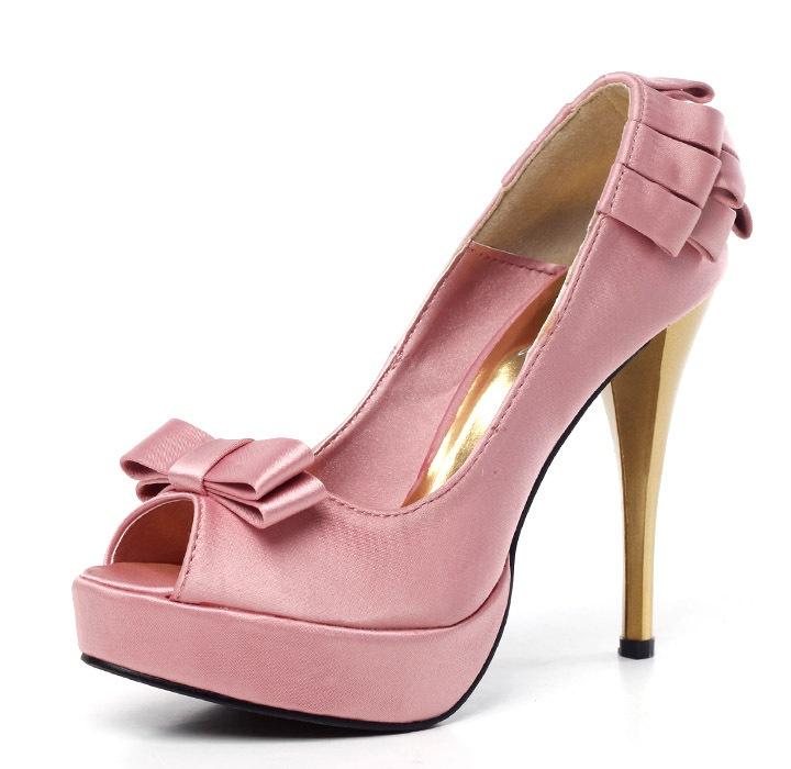 women pump shoes