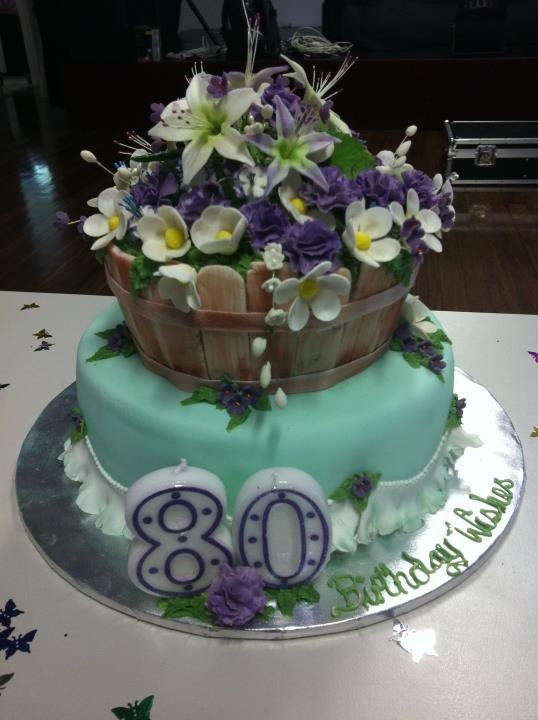 My nan 39 s 80th birthday cake 80th birthday cake ideas for for Gardening 80th birthday cake