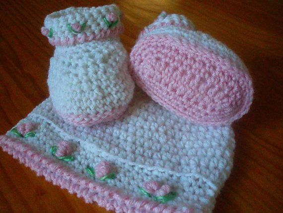 Crochet Pattern Baby Girls Booties and Hat Set