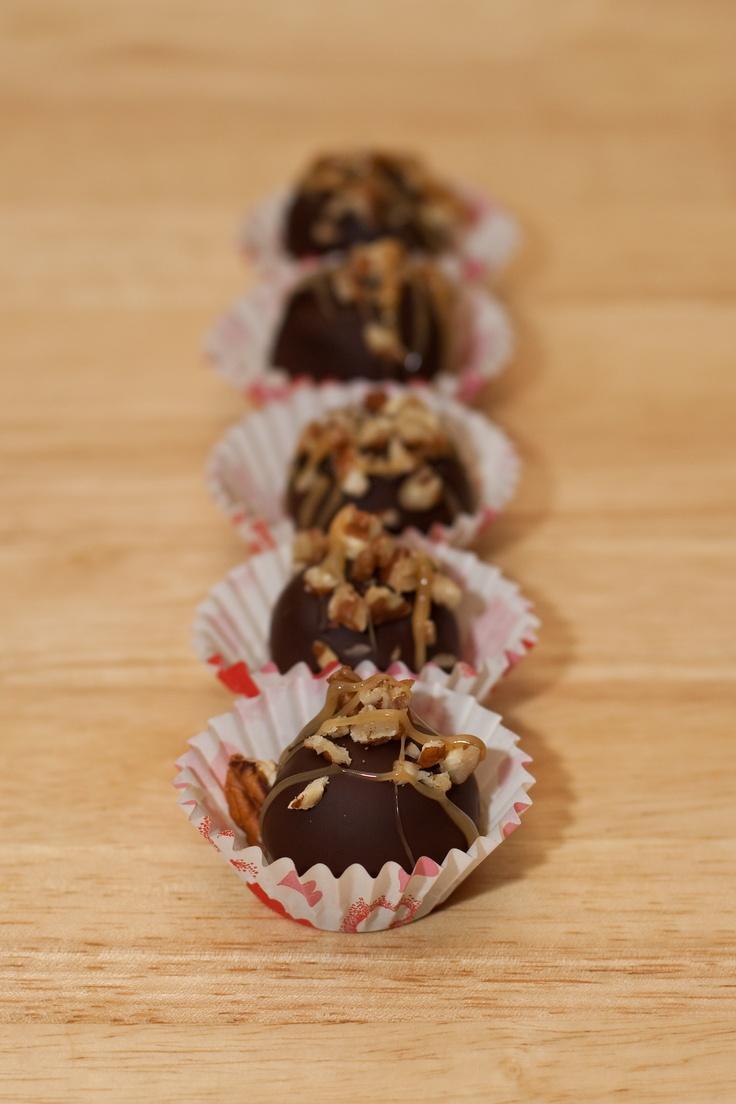 Turtle Cheesecake Truffles | Dessert Recipes | Pinterest