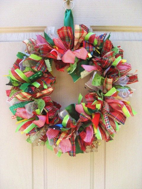 Pretty Christmas wreath made with ribbons