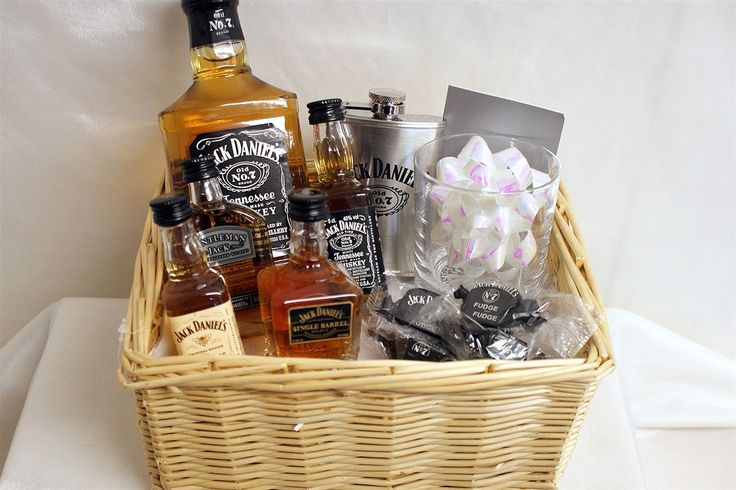 Корзина с алкоголем в подарок мужчине 3
