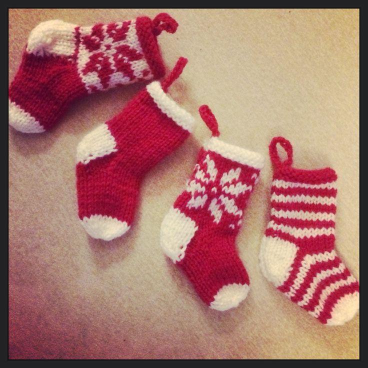 Mini Christmas Stocking Knitting Pattern Easy : Mini knitted Christmas stockings Mitten and Makings Pinterest