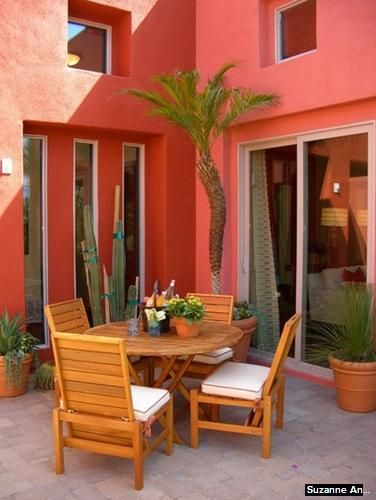 Coral color house exterior home exterior spaces pinterest for Colores para fachadas