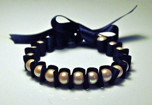 como fazer pulseira com fita de cetim e perolas