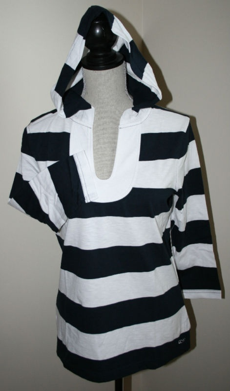Adorable Vineyard Vines striped hoodie.   Navy and white..so Classic