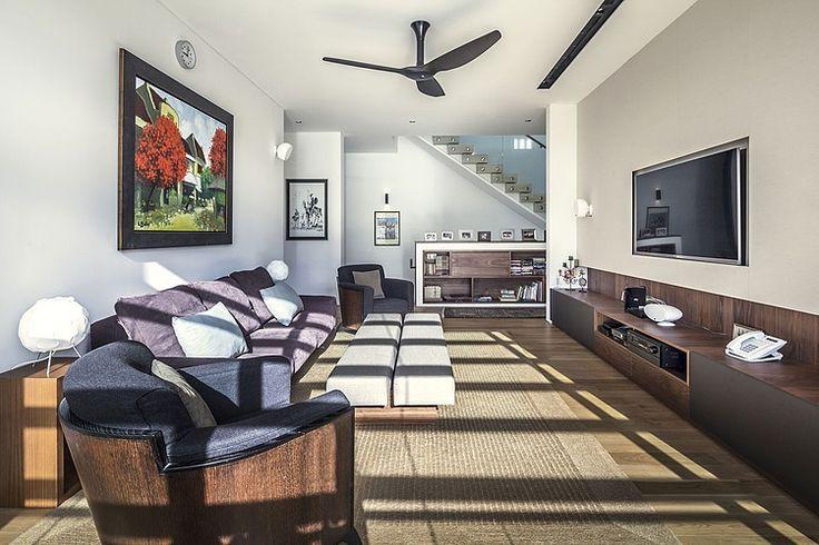 Phòng khách chính cũng tràn ngập ánh sáng nhờ vào thiết kế độc đáo