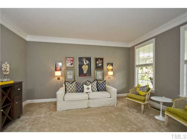 Gray paint with beige carpet yes home stuff pinterest for Beige grey paint colour