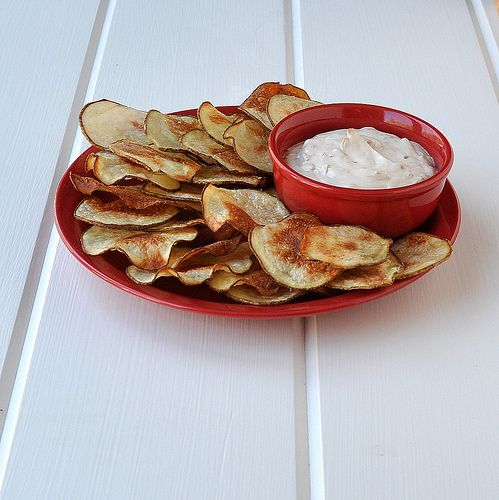 Baked Homemade Potato Chips. Would be amazing with chipotle ketchup ...