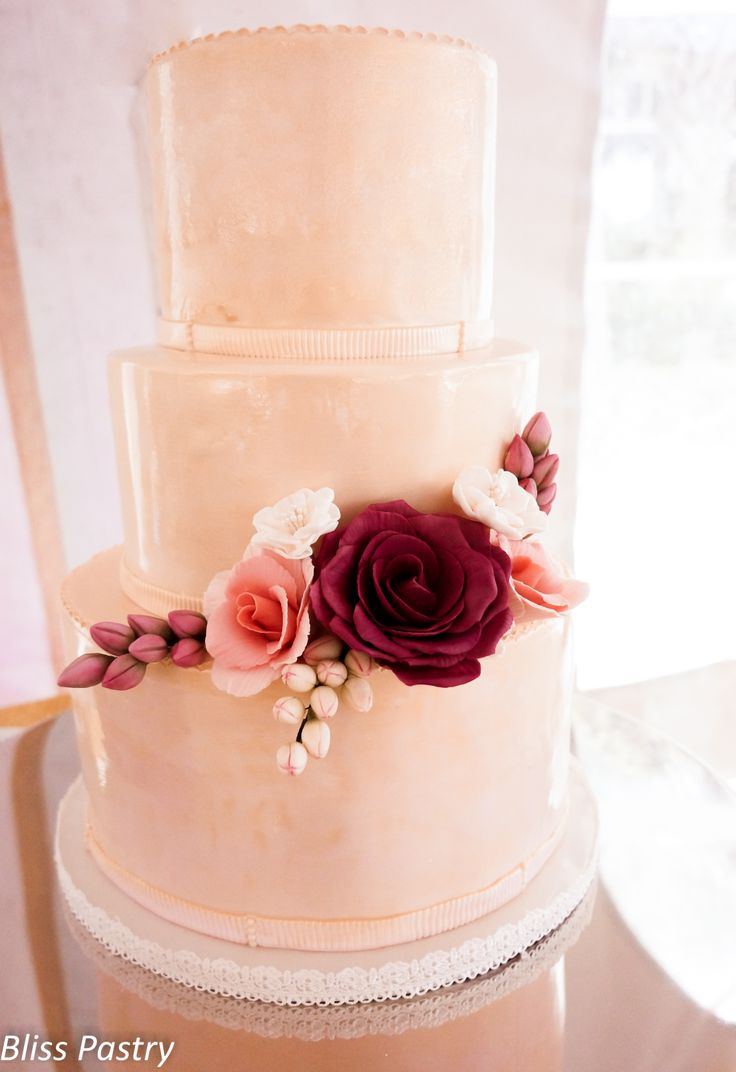 Champagne Pink Wedding Cake With Roses Bliss Pastrys Cakes Pinter